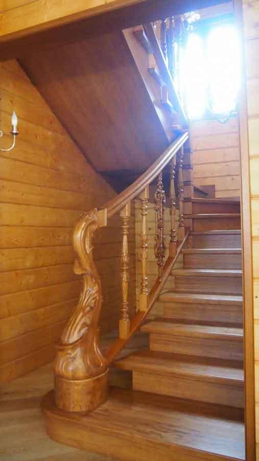 Дубовая лестница премиум класса